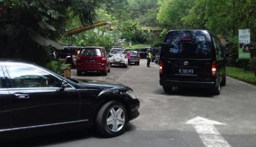 Foto Libur Panjang, Presiden Jokowi Habiskan 1,5 Jam di Taman Safari