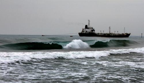 Foto Waspadai Gelombang Tinggi Dampak Siklon Kenanga