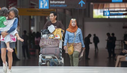 Foto Bukan Toilet, Justru Nampan Keamanan Bandara yang Simpan Kuman Paling Banyak