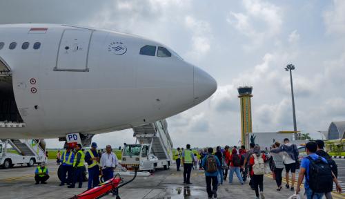 Foto Mudik Lebaran, Garuda Indonesia Sediakan Extra Flight Tujuan Kupang-Makassar