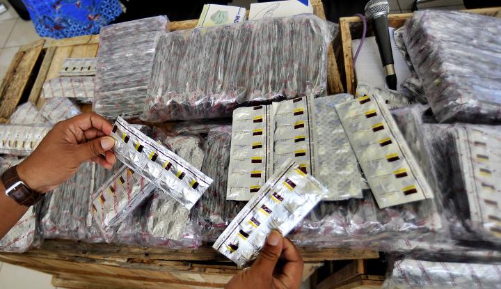 Foto Berita WN Luar Penyelundup Narkoba Diamankan Petugas Bea Cukai