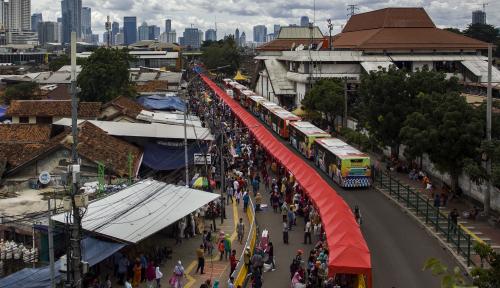 Foto Sempat Ditutup, Jalan Jatibaru Tanah Abang Mulai Dibuka Kembali