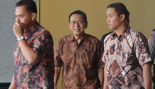 Foto KPK: Pemeriksaan Boediono Terkait BLBI