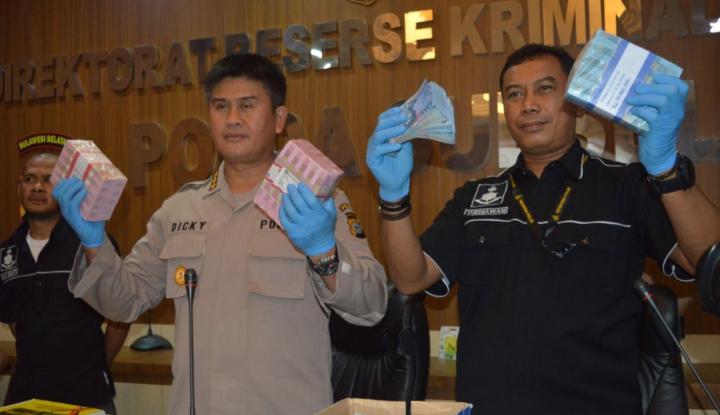 Foto Berita Polisi Sita Rp433 Juta, Hasil OTT Pejabat Disdag Sulsel