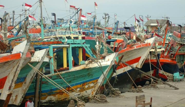 Foto Berita DKP Bangka Salurkan Bantuan Sembilan Kapal