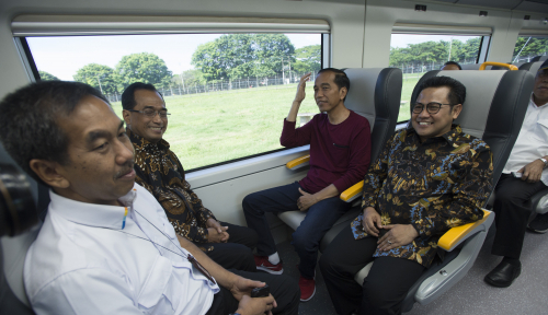 Foto Rebutan Posisi Ketua MPR, Jokowi Condong ke Golkar bukan PKB
