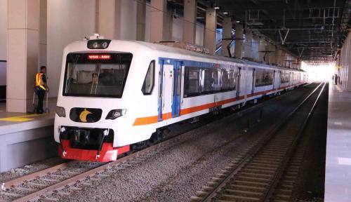 Foto Usai Terowongan Longsor, Kereta Bandara Kembali Beroperasi