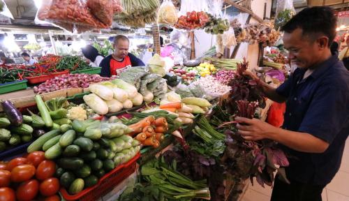 Viral Pedagang Sayur Jualan Pake Bahasa Inggris dengan Logat Lokal Bikin Ngakak tapi Keren!