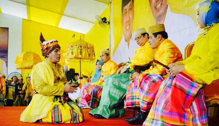 Foto Berita Dapat Jabatan Khusus di Golkar, NH Bawahi Ketua DPR dan Putri Soeharto