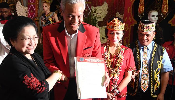Foto Berita Pasangan Ganjar-Yasin Serahkan Dokumen Pencalonan Ke KPU