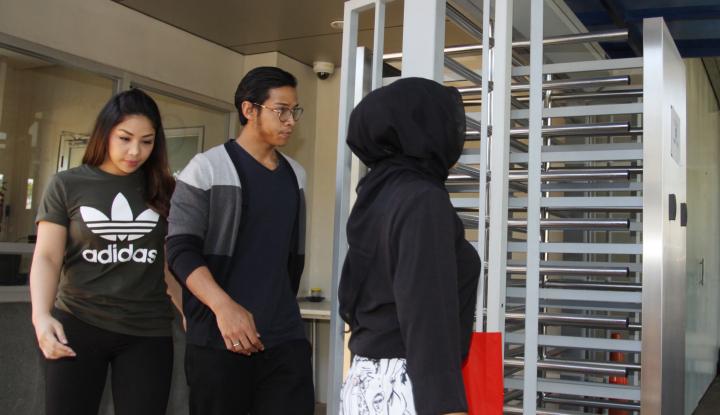 Foto Berita Keluar KPK, Anak Setnov Ogah Ngomong
