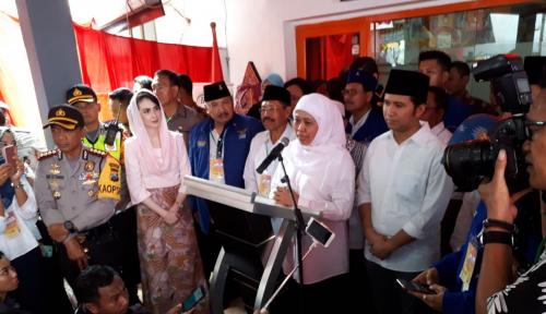 Foto Khofifah-Emil Datangi Keuskupan Surabaya