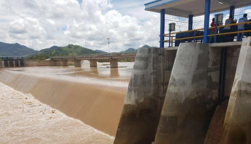 Foto Pastikan Suplai Air Sampai ke Sawah, KemenPUPR Kenalkan Irigasi Premium