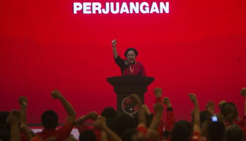 Foto Megawati Gunakan Prerogatifnya Tunjuk Jokowi