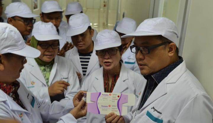 Foto Berita Tinjau Bio Farma, Menkes: Stok Vaksin Anti Difteri Aman