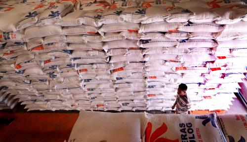 Foto Pemerintah Siapkan 2.400.000 Ton Beras Operasi Pasar