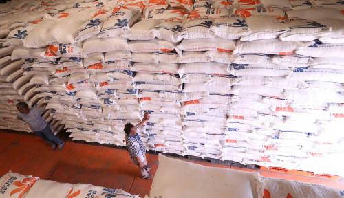 Foto Bantu Petani, Bulog Beli Beras Sesuai Harga Pasar