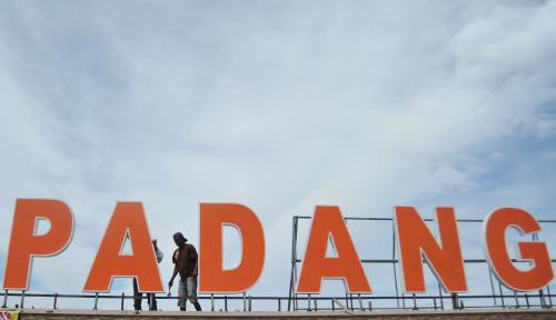 Foto 2018, Padang Targetkan Pendapatan Parkir Rp2 M