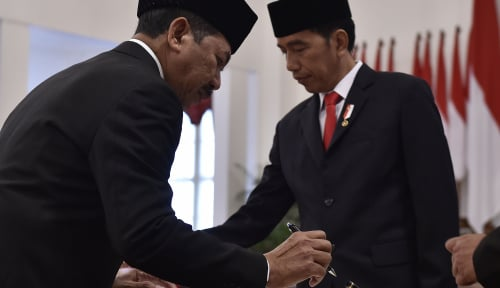 Foto Detik-detik Jokowi Lantik Empat Pejabat