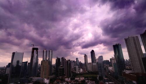 Foto Lagi, Jabodetabek Akan Diguyur Hujan Siang Ini