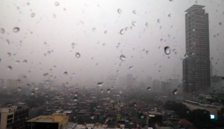 Foto Berita Waspada, Jakarta Diprediksi Hujan Seharian