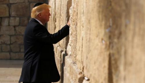 Foto Trump dan PM Israel Tak Satu Suara Soal Pemindahan Kedutaan AS ke Yerusalem, Kok Bisa?