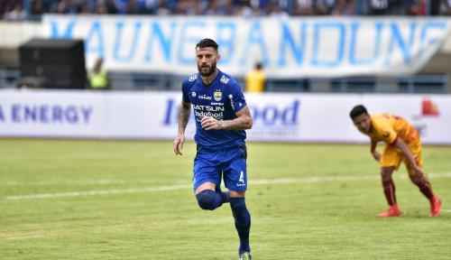 Foto Imbangi Persipura 1-1, Maung Bandung Jaga Kans Juara