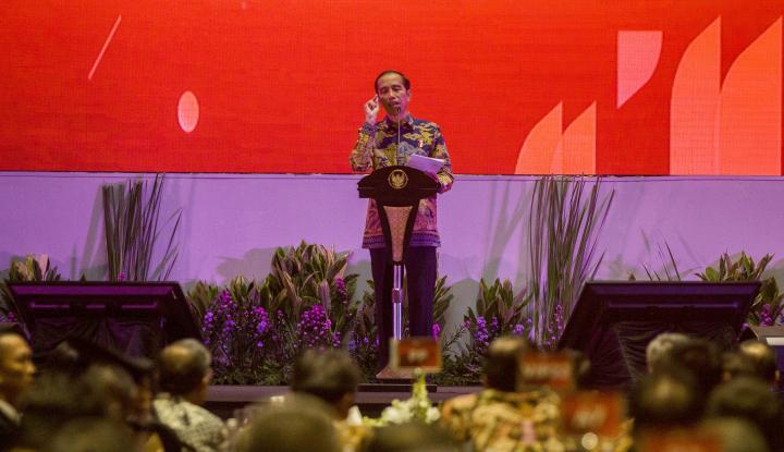 Foto Jokowi: Perbankan Jangan Cuma Asyik Kumpulkan DPK