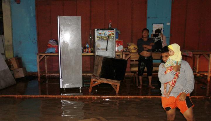 Foto Berita Hujan Deras Guyur Kendari, Puluhan Rumah Terendam