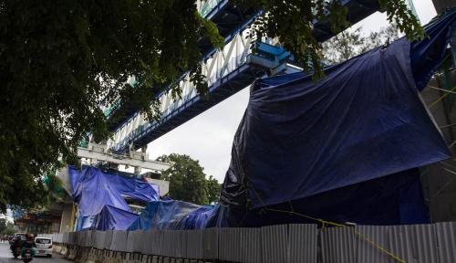 Foto Jakpro Pastikan Pembangunan LRT Terus Berlanjut