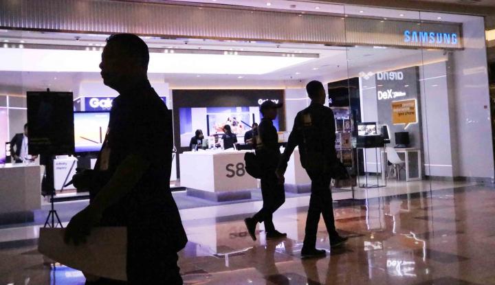 Foto Berita Intip Penjualan Samsung Galaxy S9 di Kampung Halaman