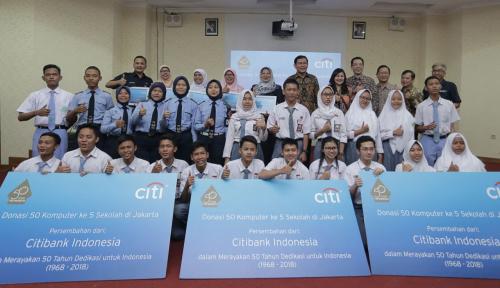 Foto Citi Indonesia Donasikan 50 Komputer di 5 SMK
