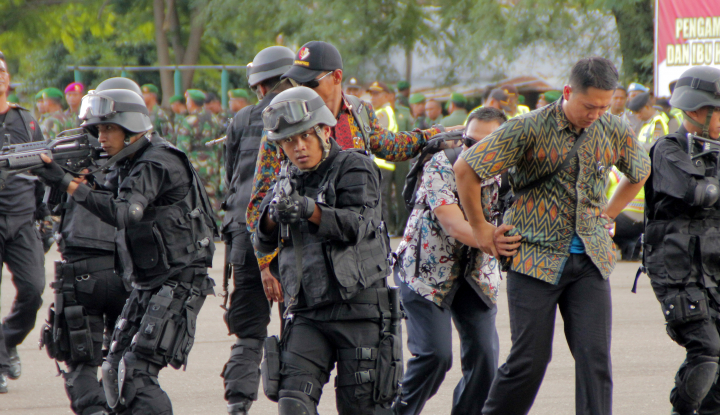 Foto Berita RUU Terorisme, Yenny Wahid Minta Kewenangan TNI-Polri Perlu Diperhatikan