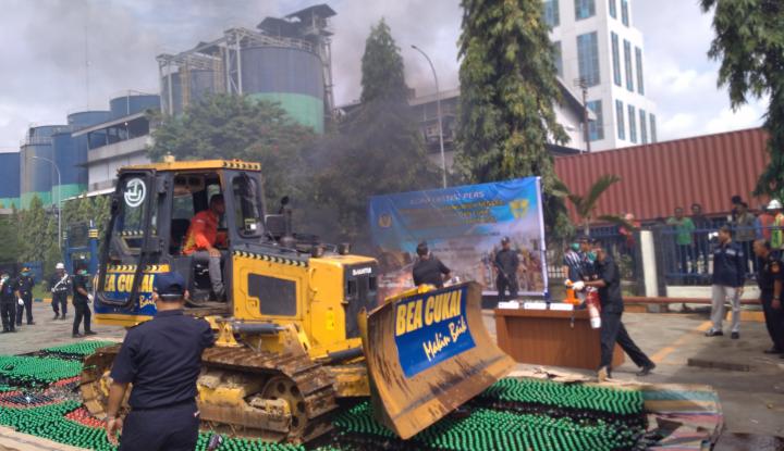 Foto Berita DJBC Sumbagtim Musnahkan Barang Sitaan Senilai Rp2,5 Miliar