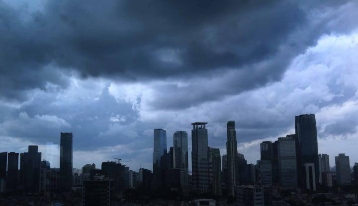 Foto Berita Waspada, Jakarta Akan Diguyur Hujan Petir Hari Ini
