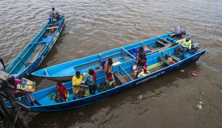 Foto Berita Stok BBM untuk Warga Asmat Mencukupi