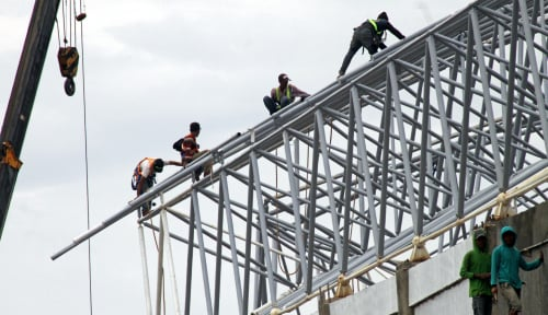 Foto Pemerintah Sertifikasi 3.896 Pekerja Konstruksi