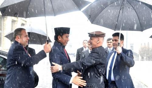 Foto Jokowi: Indonesia Dukung Upaya Perdamaian di Afghanistan
