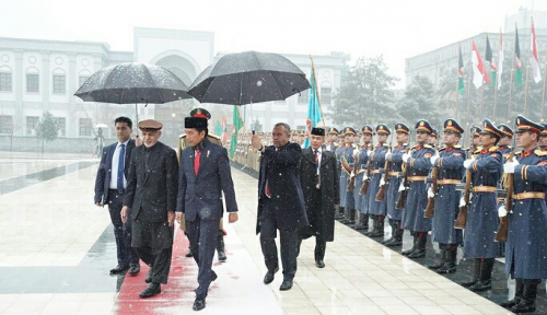 Foto Jokowi Tak Takut Teror Meski ke Afghanistan