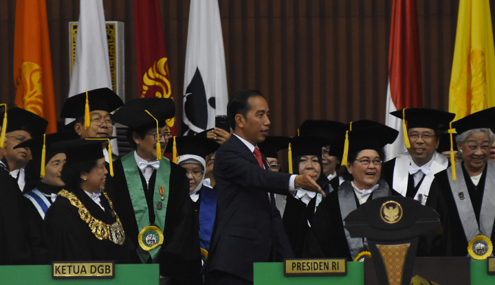 Foto Berita Kenapa Jokowi Dapat Ganjaran Kartu Kuning?