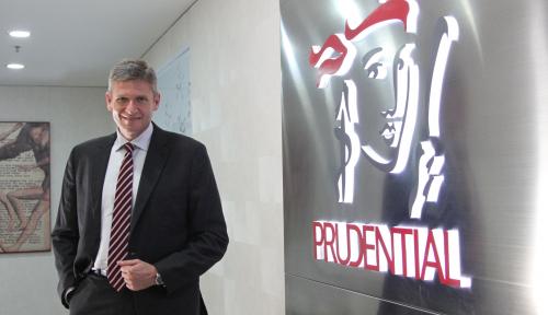 Foto Prudential: Merawat yang Lama, Memburu yang Baru
