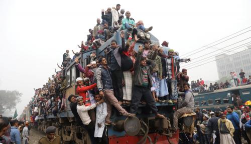 Foto Indonesia Rangkul Bangladesh Lepas dari Jerat LDC