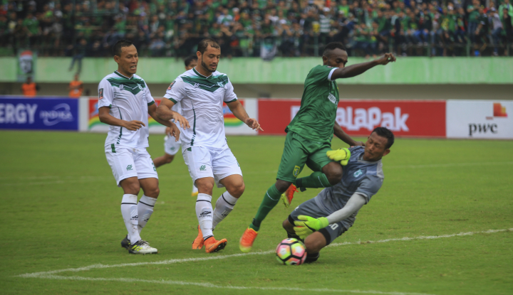 Foto Berita PSMS Medan Kalahkan Persebaya Lewat Drama Adu Penalti