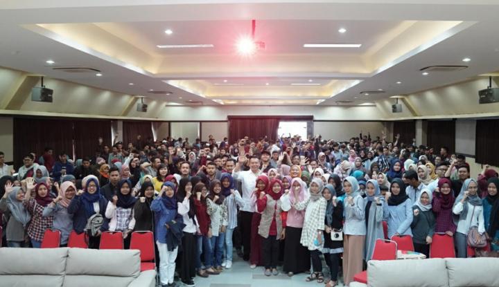 Foto Berita Cagub PDIP Jabar Raih Dukungan Generasi Zaman Now