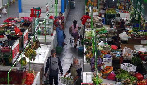 Foto Kemendag Klaim Omzet Pasar yang Direvitalisasi Naik 20%
