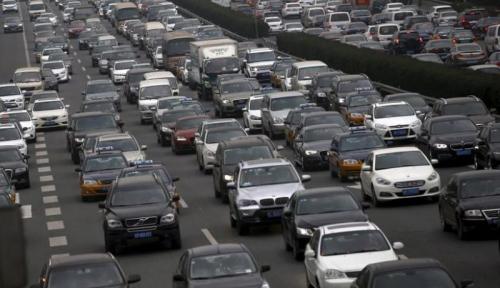 Foto China Tahan Laju Pertumbuhan Kendaraan Listrik