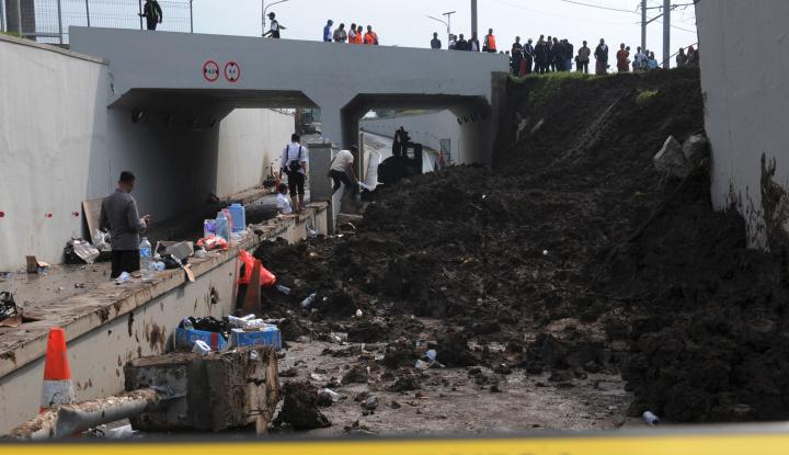 Foto Berita Polisi Tunggu Hasil Puslabfor Longsor Bandara Soetta