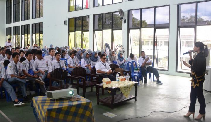 Foto Berita PT Angkasa Pura I Balikpapan Goes to School