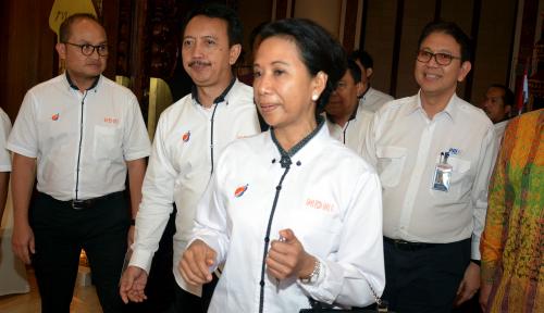 Foto Rini Soemarno Bantah PLN Merugi Hingga Rp18,4 trilun