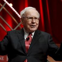 Sedekah Rp42 Triliun, Posisi Miliarder Warren Buffett Merosot
